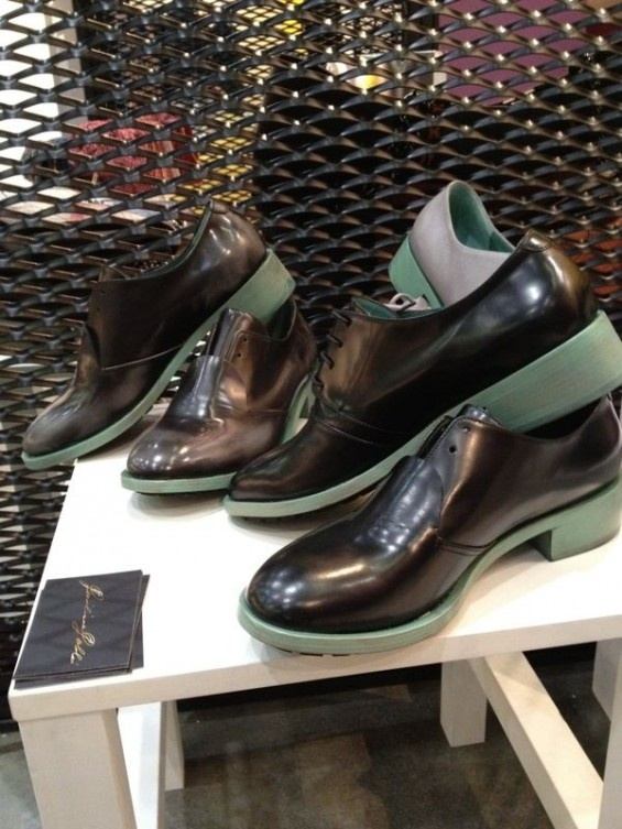 unisex shoes with green sole