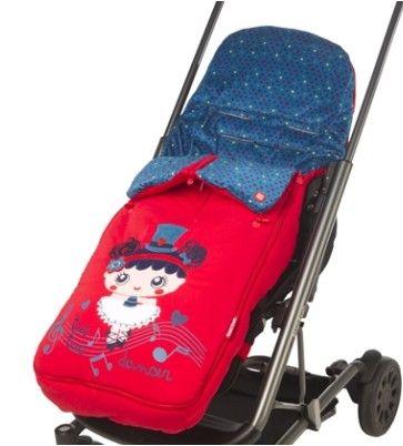 Divertido saco para silla de paseo de invierno de la colección  Symphony de Tuc Tuc. Ideal para la silla de paseo ligera. Se adapta perfectamente a la silla de paseo tipo paraguas o de bastón. Saco con el estampado de la mascota de la colección en el exterior.  El interior lleva  un  tejido tundosado muy suave. Plazo de entrega: 24-48 horas.