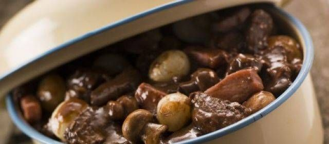 Franse Klassieke Boeuf Bourguignon recept | Smulweb.nl