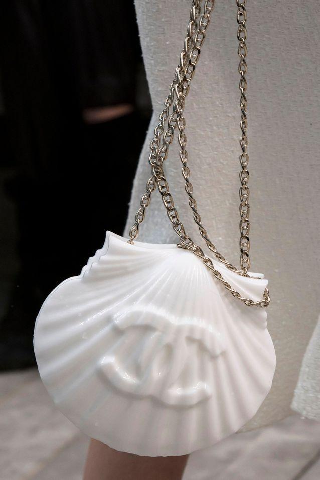 Ces sacs imaginés par Karl Lagarfeld sur les défilés Chanel nous ont fait rêver