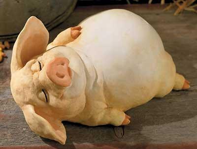 6598462504:Piccolo Small Pig Sculpture