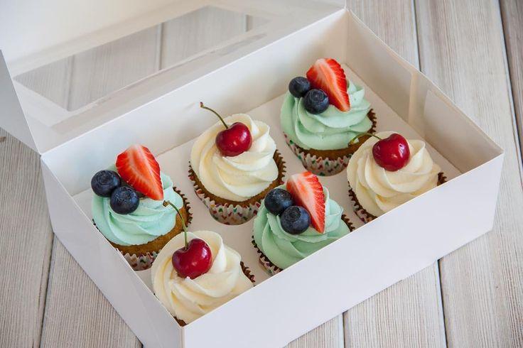 Cupcakes nejsou pouze malé dortíky jsou symbolem radosti a potěšení. Капкейки не просто мини-тортики это ещё и приятные эмоции.  #cupcake #cupcakespodebrady #cupcakes #handmade #maliny #boruvky #maffin #krem #dezert #sweetcakes #czech #czechrepublic #podebrady #praha  #jidlo #food #homemade #cakestagram