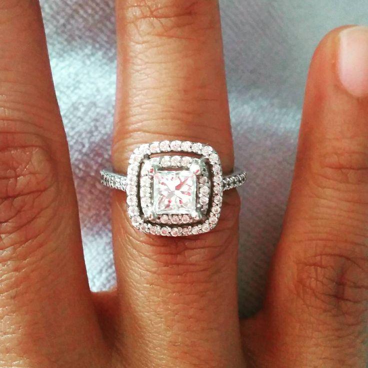 #rockfinejewels #customjewellery #customdesign #doublehalo #ilovejewellery #diamonds #engagementring