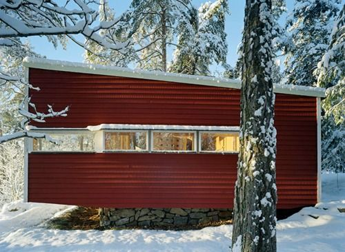 Ralph Erskine - Lådan (The Box), the architect's own retreat, South Stockholm, 1942. Via.