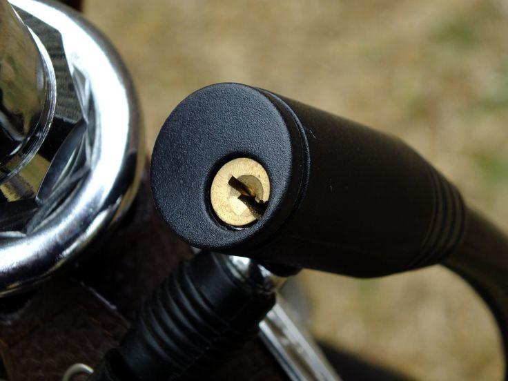 Candado para bicicleta. #CC0 #creativeCommons - José Miguel S. #photo #JMSfOTO