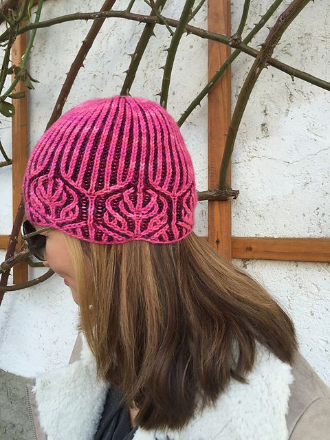 Ravelry: Rosenkranz pattern by Katrin Schubert Enjoy a free copy of this pattern through July 31, 2016 with coupon code: behutsam
