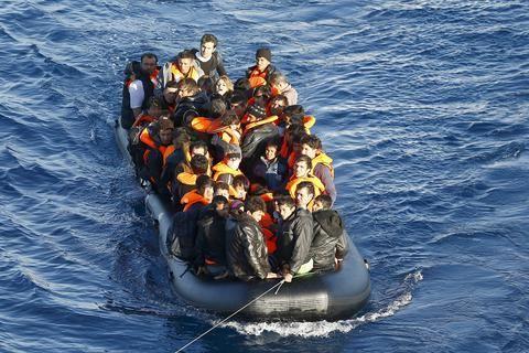 mini.press: Guardian : Άμεσος ο προσφυγικός κίνδυνος για την Ε...