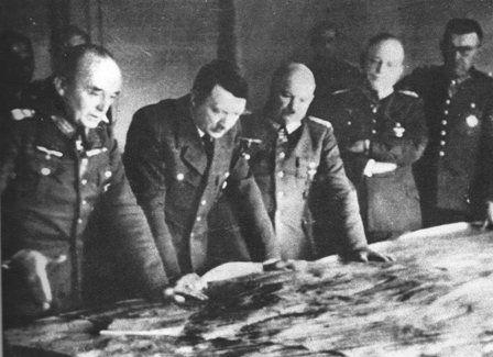 Hitler ultima los detalles de la invasión a Noruega