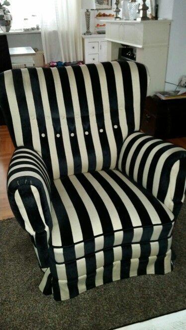 2 dezelfde stoelen  ruilen voor 2 taupe oorfauteuil.s