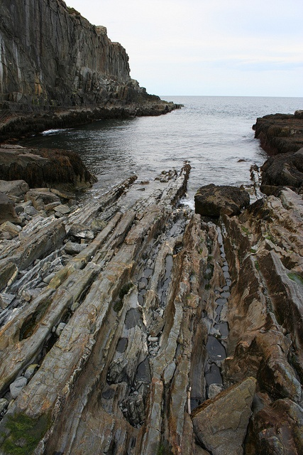 One of my favorite spots in Maine, Bald Head Cliff by VisceralCog, via Flickr