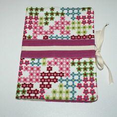 Protège carnet de santé fille en tissu lin et coton bio à fleurs