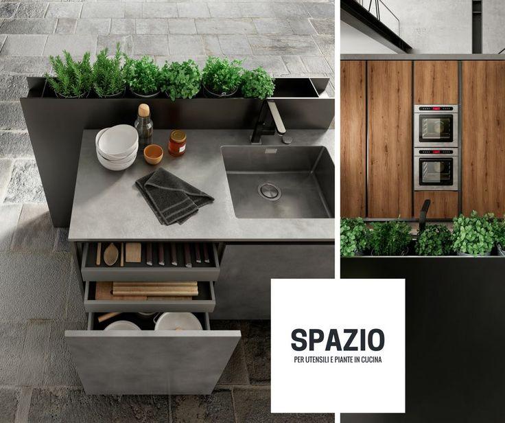 Με τη Zetasei υπάρχει μια θέση για όλα... για οτιδήποτε χρειάζεστε και για οτιδήποτε σας αρέσει! Οι άνετοι χώροι για την αποθήκευση των πιάτων, των σκευών, των μαχαιροπίρουνων και των τραπεζομάντιλων αφήνουν χώρο ακόμα και για φυτά εσωτερικού χώρου. Δώστε περισσότερη ζωή στην κουζίνα σας, δημιουργώντας τον δικό σας κήπο ανάλογα με την εποχή! 🌿💧  Μια πρόταση για την άνοιξη... διάλεξε όμορφα χρωματιστά λουλούδια ή μικρά αρωματικά φυτά!