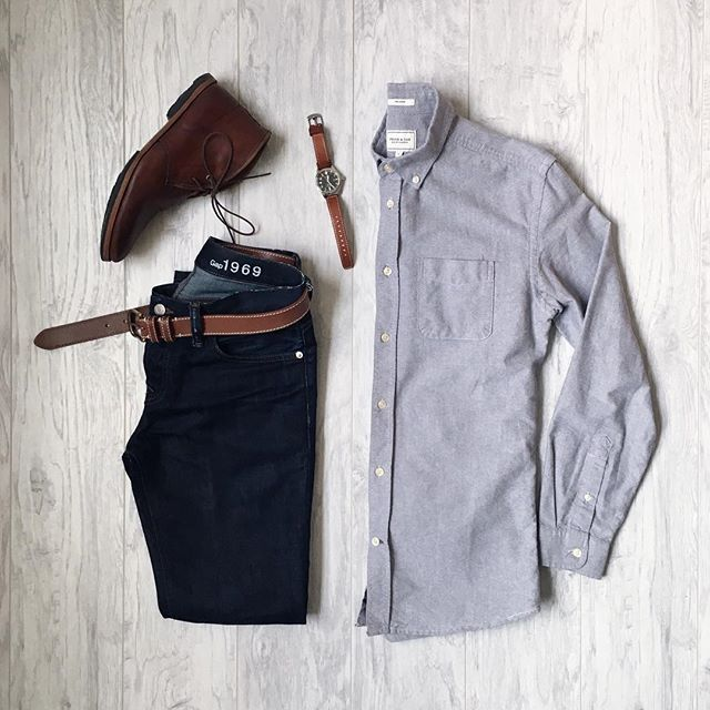 Simple Saturday. Shirt: @frankandoak Denim: @gap Chukkas: @timberland Watch: @timex ——————————————— #mitchyasui #gapstyle