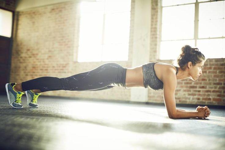 Sie ist extrem anstrengend, aber auch extrem effektiv – die Plank ist eine der…
