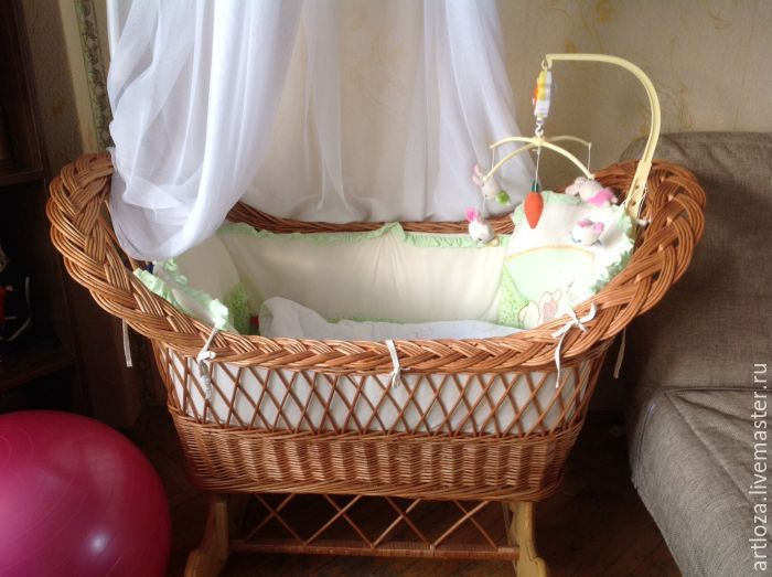 Купить Люлька плетеная, качалка, на деревянной подставке (натуральная лоза) - люлька-переноска, люлька детская
