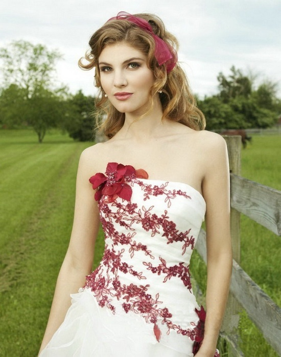 Pretty Strapless White Wedding Dress With Red Embroidery