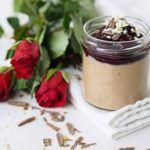 Čokoládová+pěna+s+višněmi