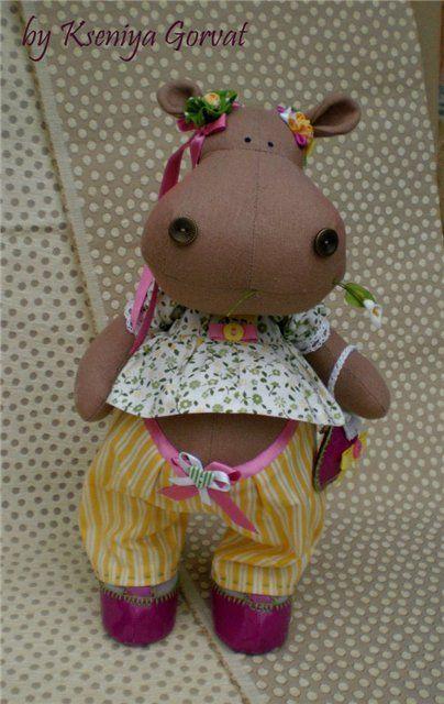 Nijlpaard pop. Hippopothamus puppet. Hipopótamo 📌 📍 em Tecido Passo a Passo com Molde                                                                                                                                                                                 Mais