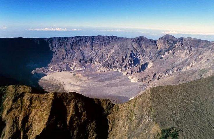 Mendaki Gunung Tambora