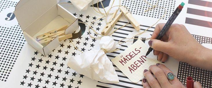 Wir lieben unseren creatisto-Adventskalender einfach! Das zeitlose, moderne Design ist das perfekte Geschenk fürdie beste Freundin! Und weil in so einen Adventskalenderzum Selbstbefüllen ja etwas gefüllt werden muss, haben wir 24 Ideen für die beste Freundin zusammengestellt! Natürlich kann der Kalender auch dem/der Partner/ingeschenkt werden, den kennt aber vermutlich jeder selber am Besten!