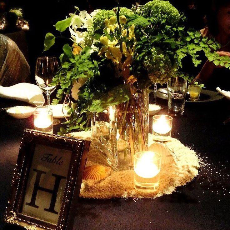 結婚式レポ♡ 友達からもらった写真です。 葵西のカーテンを閉めた状態の装花。このカーテンクローズの装花写真は、カメラマンさんデータにはなく、ゲストにもらった中にもこの一枚しかなくて、かなり貴重な一枚です!テーブルナンバーも写っていて嬉しい♡ ・ #結婚式レポ #結婚式 #パレスホテル #パレスホテル東京 #palacehoteltokyo #葵西 #ウェディングドレス #ハツコエンドウ #ジェニーパッカム #jennypackham #elenaaccessory #披露宴 #クリスチャントルチュ #christiantortu #キャンドル #テーブル装花 #装花 #卒花嫁 #卒花 #マタニティウェディング #妊娠8ヶ月 #30w #カメラマンデータ #unison #ウェディングニュース #tmwedding0529