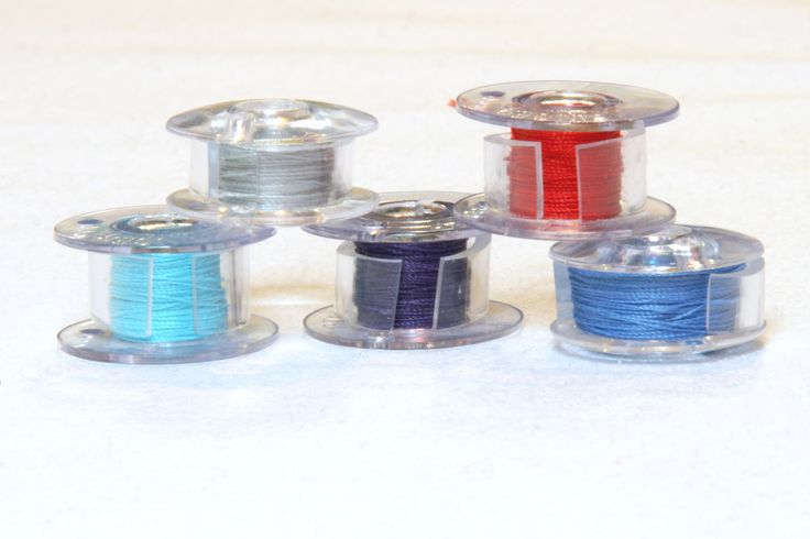 How to neatly store bobbins: Thread Spools, Bobbin Organizations, Study Crafts Rooms Offices, Minneapolis Modern, Bobbin Storage, Quilts Guild, Plastic Tube, Bobbin Thread, Modern Quilts