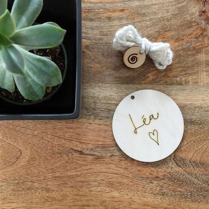 Newborn Personalised Wood Disc - Pastilles personnalisée en bois pour nouveau-né  |  France Mars