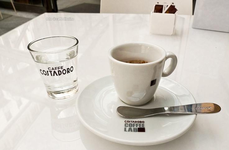 Coffee Lab Diamante, c/o Palazzo Bricherasio, valutazione: 4/5. Il caffè Costadoro è una garanzia (senza particolari sorprese, trattandosi di Coffee Lab). Colazione in veste internazionale, pranzo, cocktail, brunch della domenica. E connessione libera con rete wi-fi. #torino