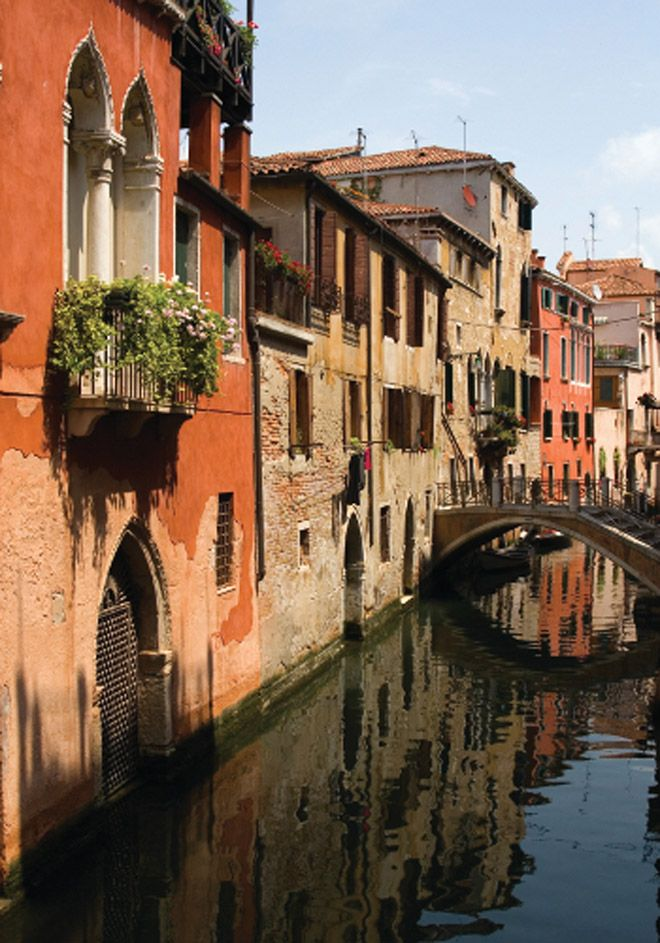 Top 10 Honeymoon Destinations #travel #weddings #RomanticVacation