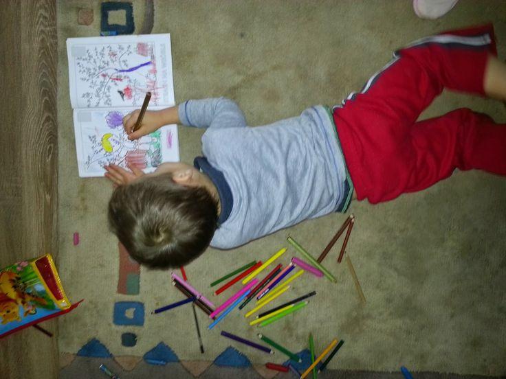 MAMO WIESZ ...?: Kolorowe kredki