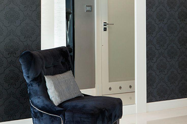 Wnętrze w stylu glamour - wystrój wnętrz w stylu glamour - aranżacja glamour.  Zobacz więcej na www.amarantowestudio.pl