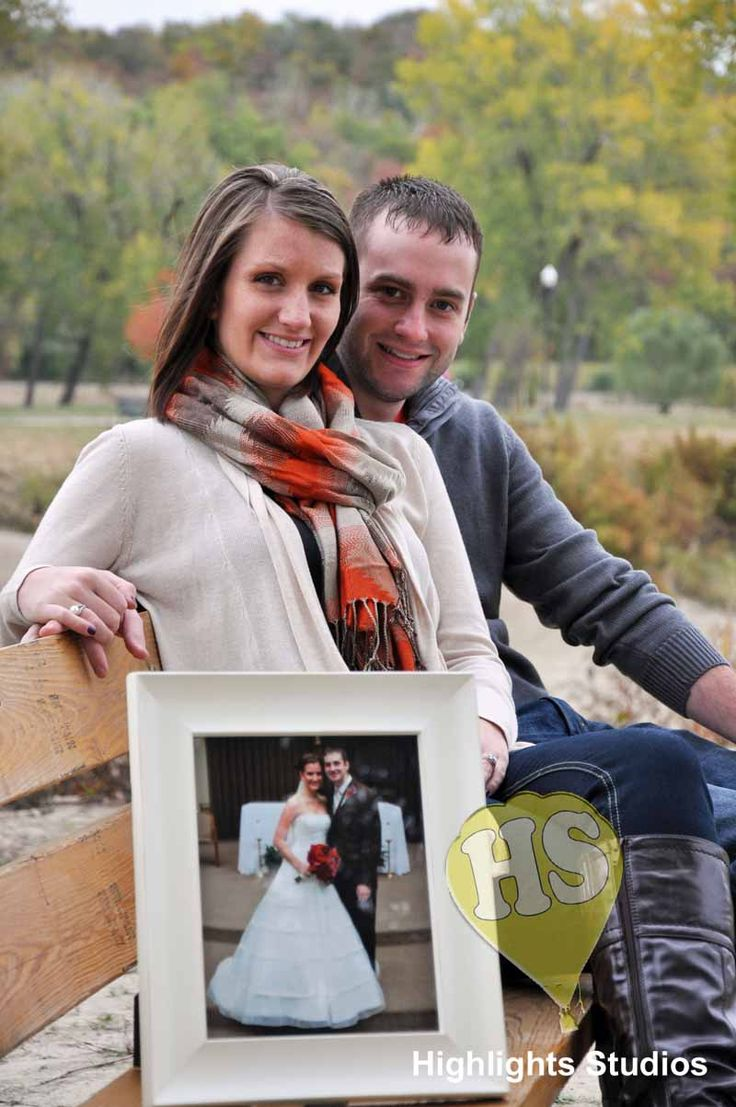 Have anniversary pictures taken every year, and have last years picture in the picture. Awesome timeline photography.