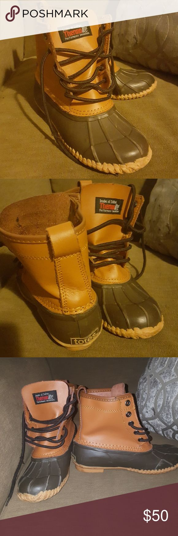 Totes Almost NEW SNOW BOOTS FOR GIRLS or BOYS Awesome water proof totes boots for girls or boys. They are size 4 in boys, 5 in girls. Totes Shoes Rain & Snow Boots