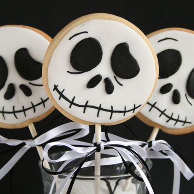 """Share Tweet +1 Pin Tumblr Email Reddit SMS Facebook Messenger I love the movie """"The Nightmare before Christmas"""" so I wanted to try and make some cookie lollies with the pumpkin king Jack Skellington from Halloween town. He was pretty simple to make with only two colours involved. Its sugar cookies decorated with rolled fondant …"""