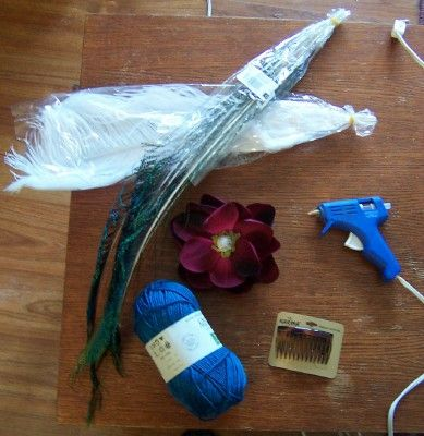 How to make your own feathery floral hair fascinator! Great gift for bridesmaids or groomsgirls....