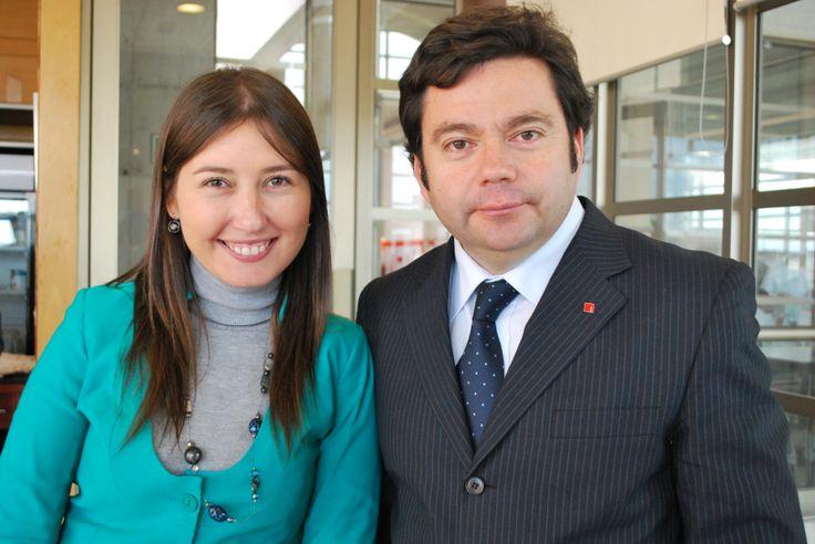 Sira Morán, directora de admisión y comunicaciones, Luis Endia, Director carreras Área Hotuga