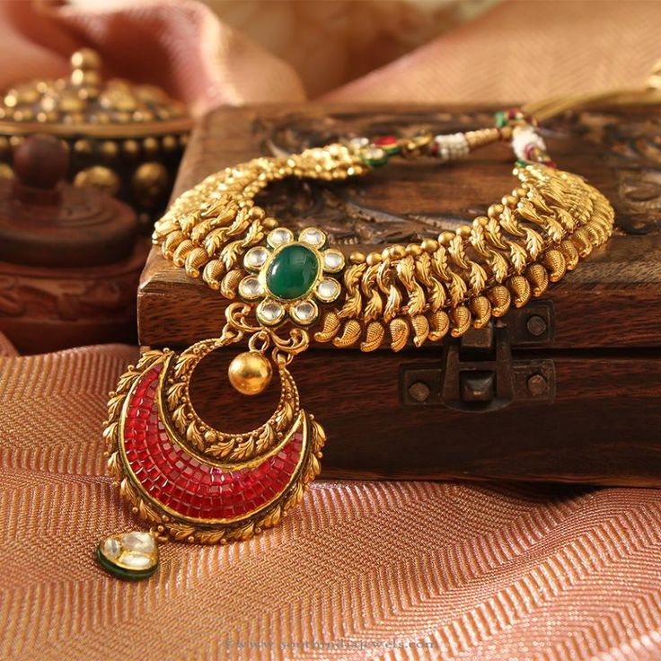 Gold Kundan Gemstone Necklace Designs, Gold Gemstone Necklace Designs, Gold Kundan Necklace Collections.