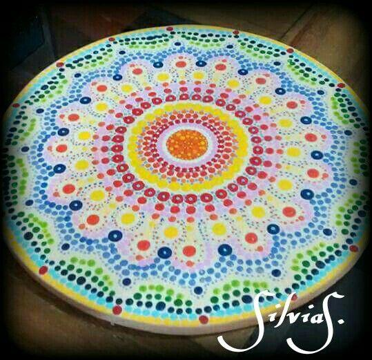 Mandala puntos pintada a mano