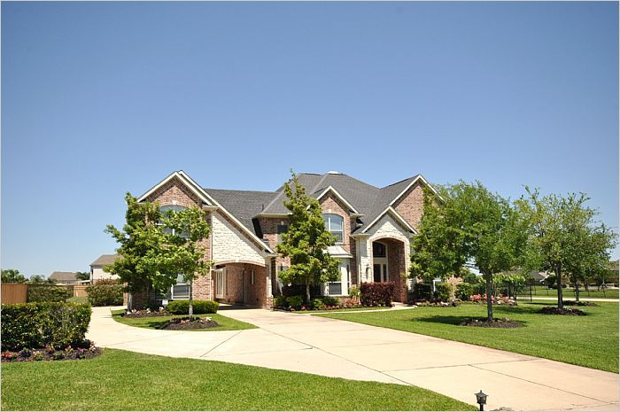 $675,000 - League City, TX Home For Sale - 3942 Lake Star Drive -- http://emailflyers.net/42415