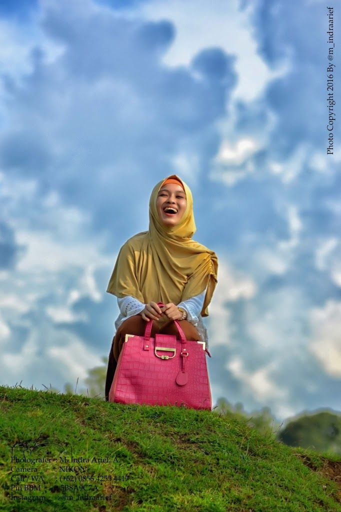 Lokasi : Permata Hijau Tembalang, Semarang, Indonesia. Photographer : M. I. Arif Amrulloh Camera : Nikon. Fotografi: Prewedding, Wedding, Sesion Model, Gradation, Family, Profil, Kiddie, Brithday, Anniversary, Candid.   #Hijabers #Hunting