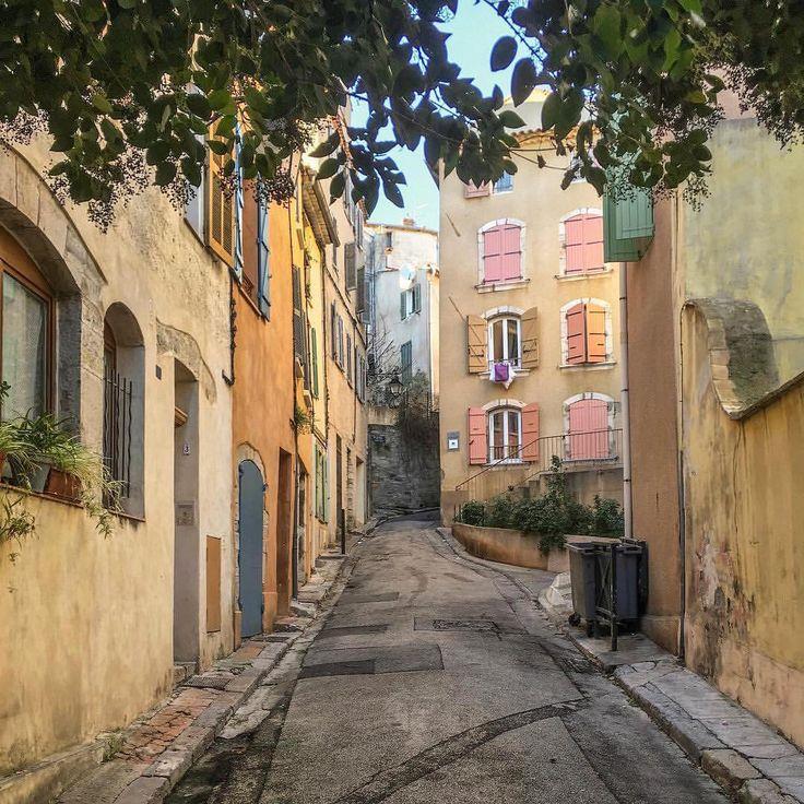 """355 Likes, 5 Comments - Toulon (@toptoulonphoto) on Instagram: """"TOP Toulon 📷 par @sageonearth • #toptoulonphoto Allez sur la galerie à la une pour partager les ❤…"""""""