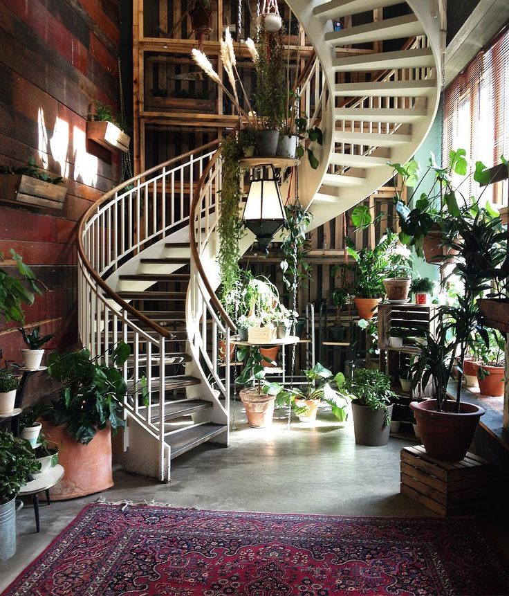 21 Staircase Decorating Ideas: 25+ Best Ideas About Decorating Staircase On Pinterest