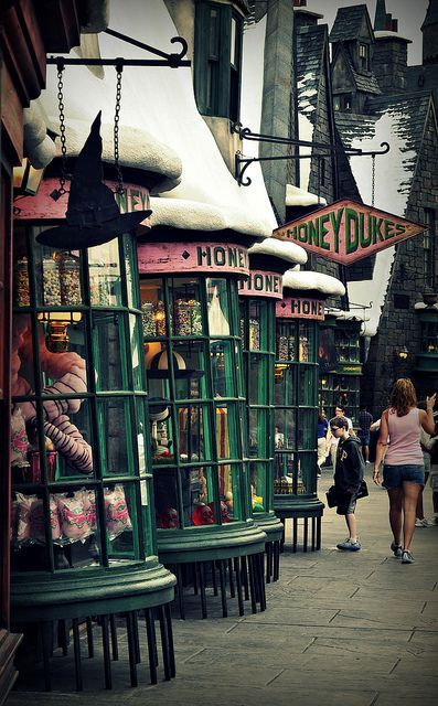 Honeydukes | Orlando offers a vacation of a lifetime http://www.augustuscollection.com/orlando-offers-vacation-lifetime/