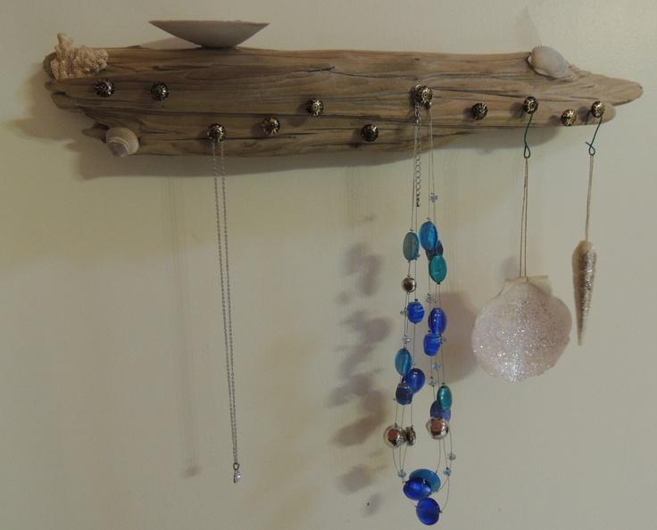 Driftwood jewelry storage