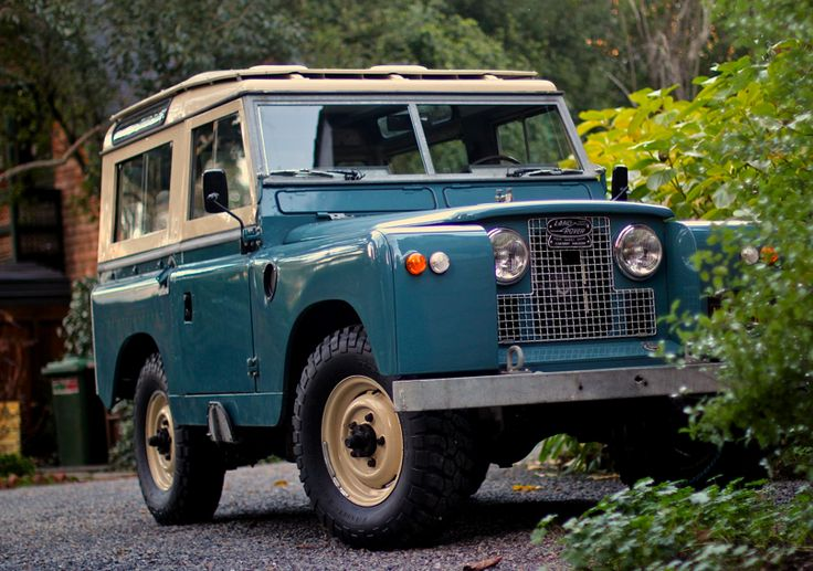 Vintage Land Rover - my next love after my 86 Mercedes