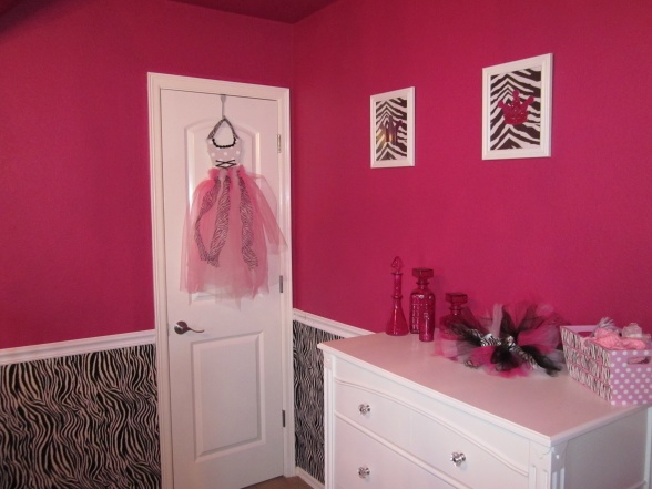 Exelent Zebra Print Living Room Set Pictures - Living Room Designs ...