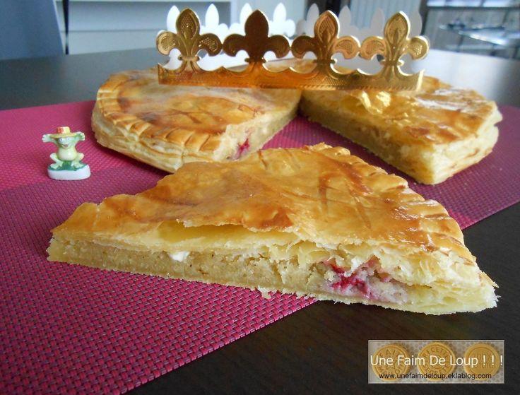 Galette des rois à la crème d'amandes, framboises et pépites de chocolat blanc