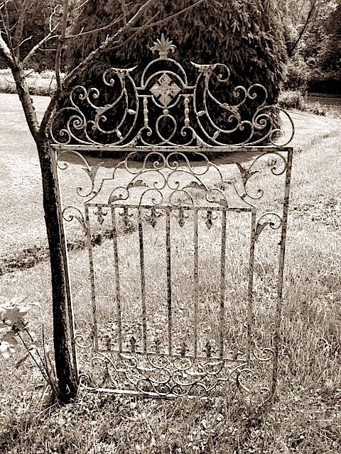 Antique Garden Gate Rental & 105 best Hudson Valley Vintage Rentals images on Pinterest ... pezcame.com