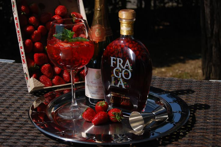 Champagne & Fragola - a truly decadent mimosa.