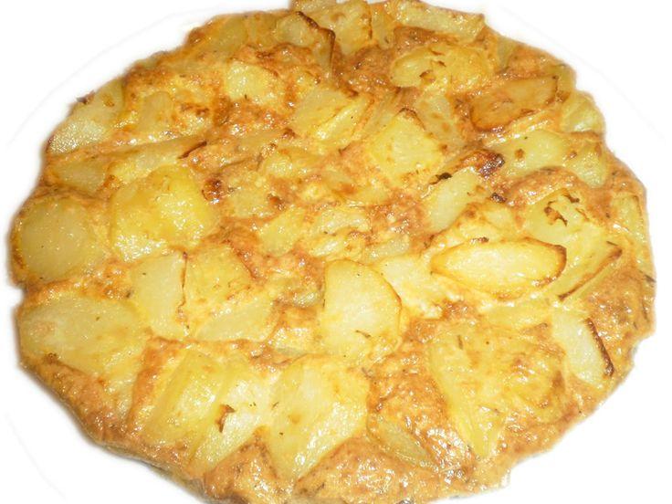 Quattro frittatine, veramente gustose, in cui la patata e le uova sono le protagoniste per una frittata sana, economica e sostanziosa.